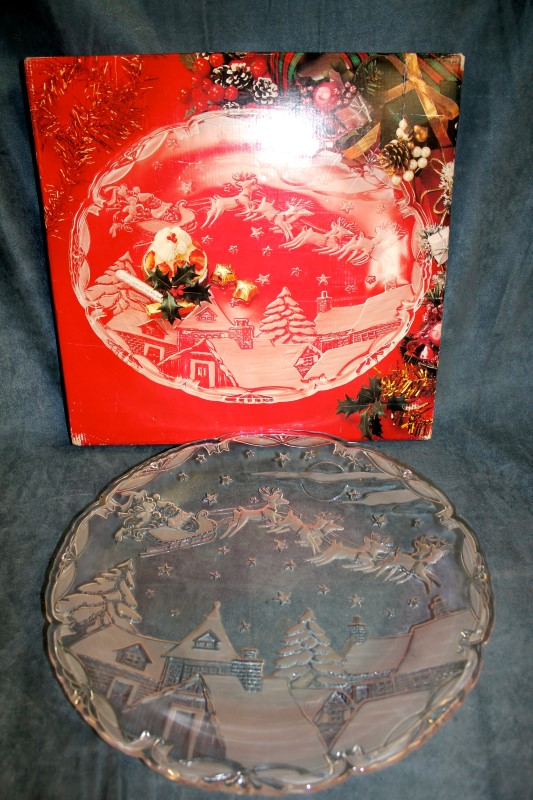 "Mikasa Christmas Village 15-1/2"" Hostess Platter - Model SA855/313"