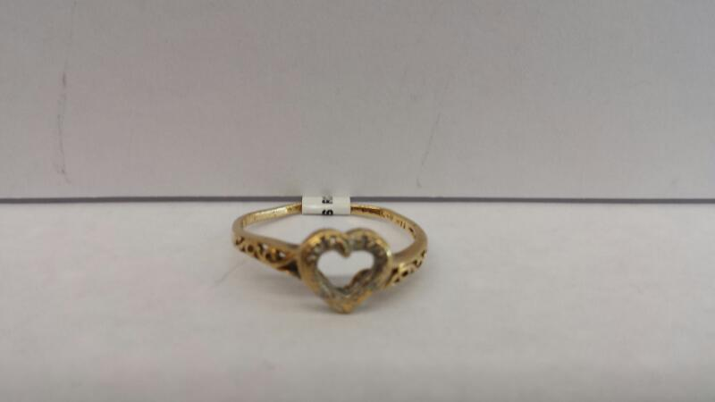 10k Yellow Gold Ring with 4 Diamond Chips Inside a Heart