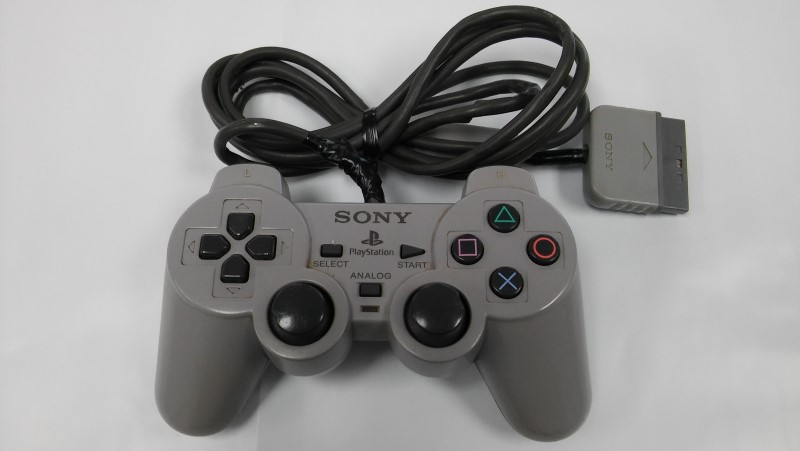 SONY PLAYSTATION WIRED CONTROLLER - GREY