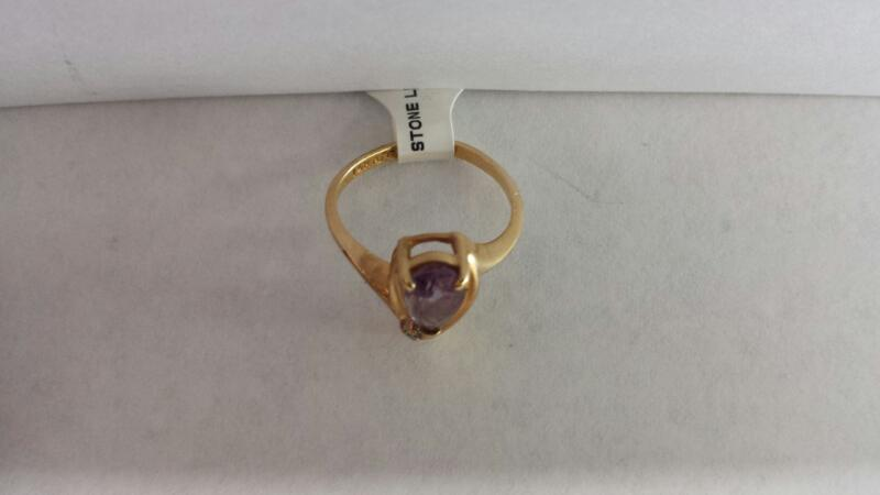 14k Yellow Gold Ring with 1 Purple Stone and 1 Diamond Chip