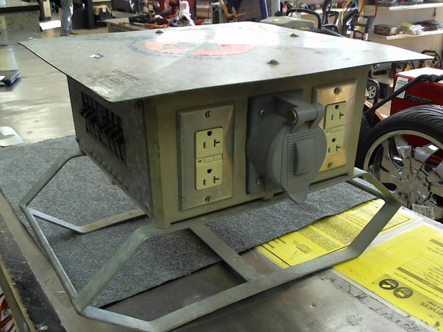 HUBBELL Generator CONSTRUCTION DISTRIBUTION BOX