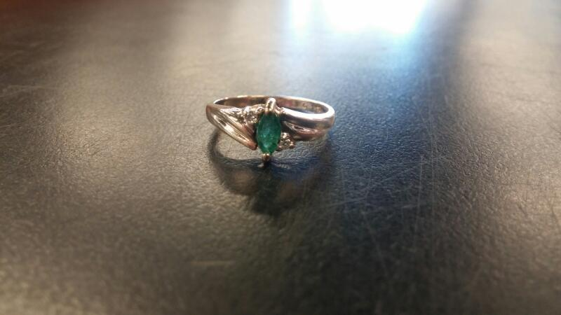 Green Stone Lady's Stone Ring 14K Yellow Gold 1.6dwt Size:6.5