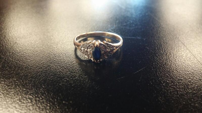 Synthetic Sapphire Lady's Stone Ring 10K Yellow Gold 1.6dwt Size:8.5