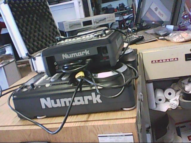 NUMARK ELECTRONICS DJ Equipment AXIS 9
