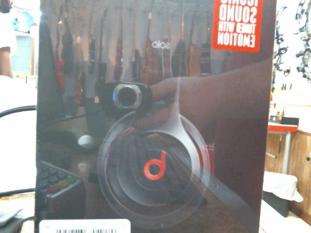 BEATS AUDIO Headphones SOLO 2