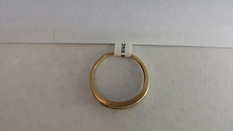 10k Yellow Gold Ring with 7 Diamonds
