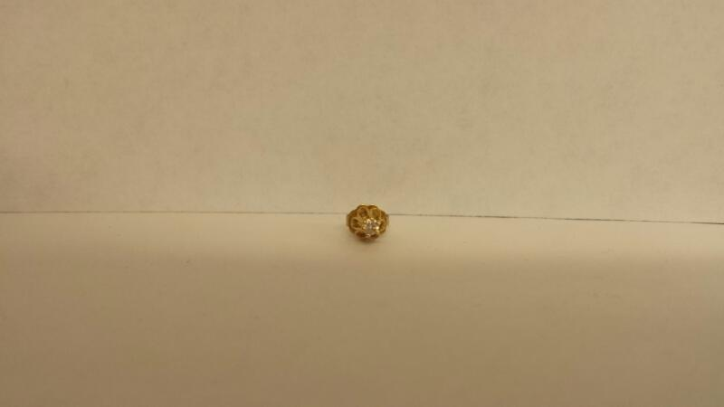 Gold-Diamond Earrings .06 CT. 10K Yellow Gold 0.03dwt
