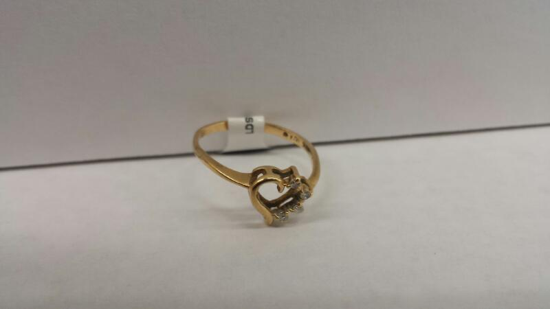 10k Yellow Gold Ring with 4 Diamond Chips