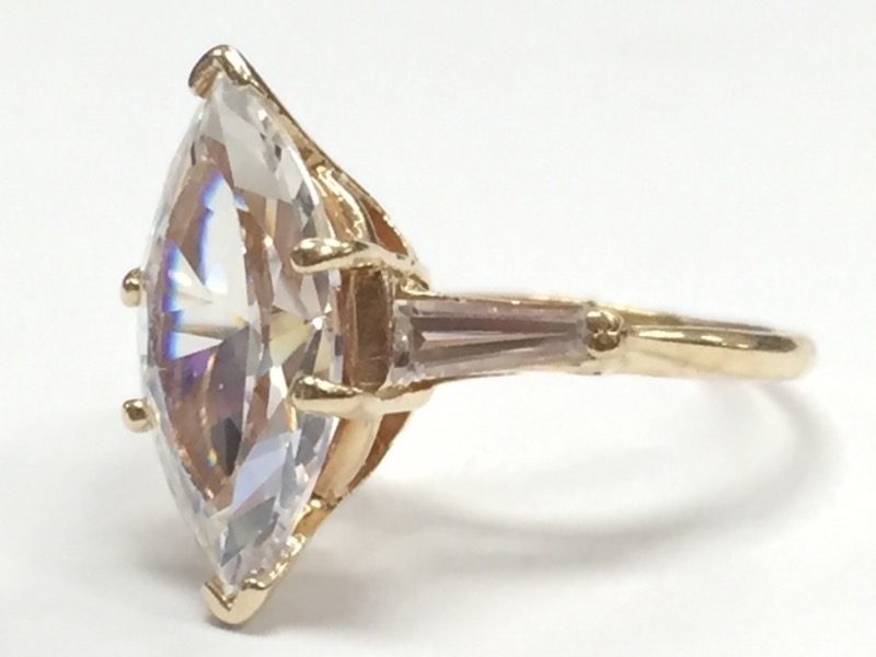 White Stone Lady's Stone Ring 14K Yellow Gold 3.36g Size:5