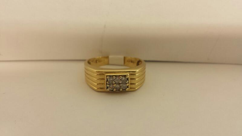 14k Yellow Gold Ring with 6 Diamonds