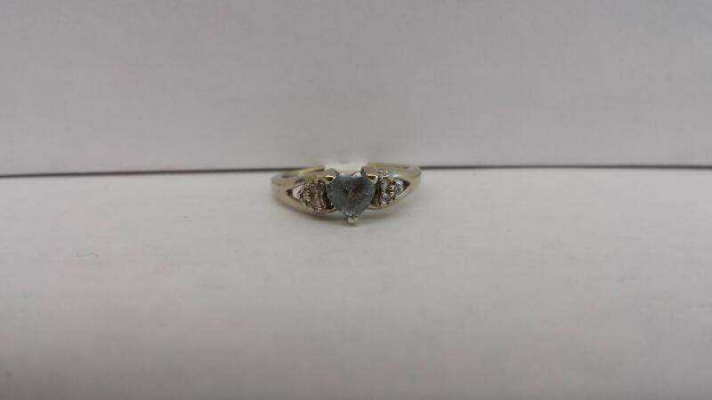 10k White Gold Ring with Gray Heart and 6 Diamond Chips Inside Hearts