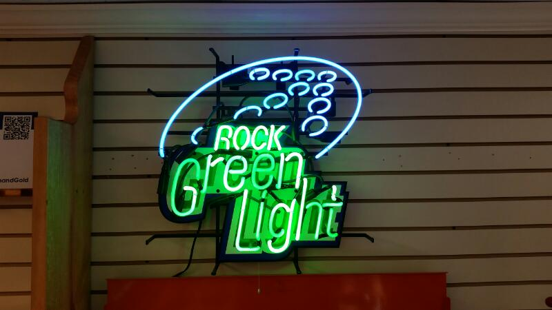 """NEON"" ROLLING ROCK BEER ELECTRIC ADVERTISING SIGN, CANNOT BE SHIPPED!"