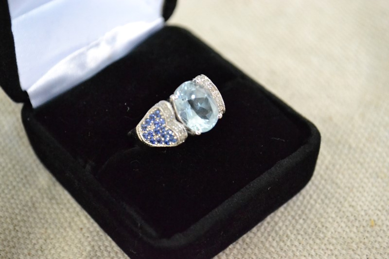 Synthetic Aquamarine Lady's Stone & Diamond Ring 24 Diamonds .24 Carat T.W.