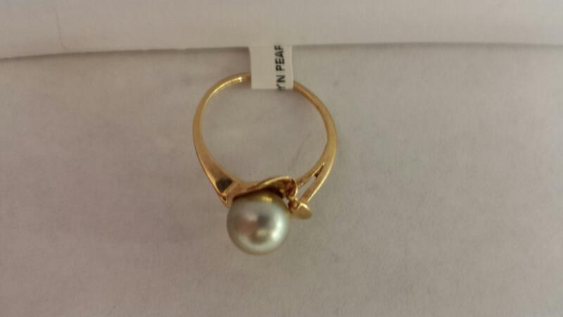 10k Yellow Gold Ring with 1 Pearl