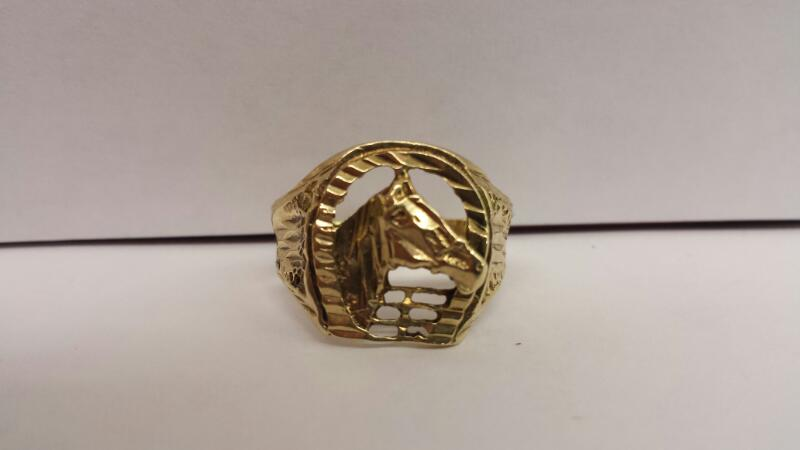 "10k Yellow Gold Ring ""Horse"""