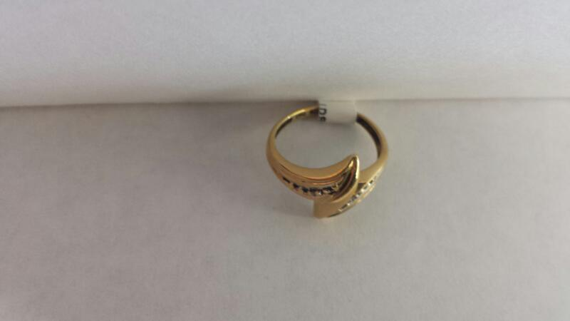10k Yellow Gold Ring with 2 Diamond Chips