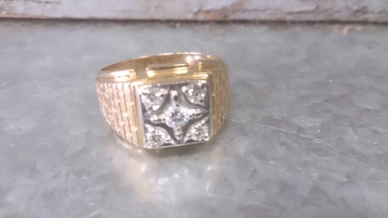 Gent's Diamond Cluster Ring 7 Diamonds .11 Carat T.W. 14K Yellow Gold 7.2g