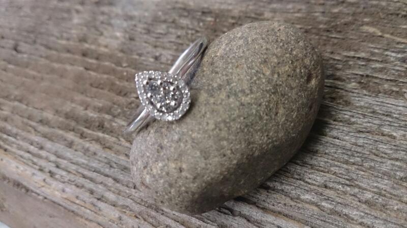 Lady's Diamond Cluster Ring 25 Diamonds .25 Carat T.W. 10K White Gold 1.8g