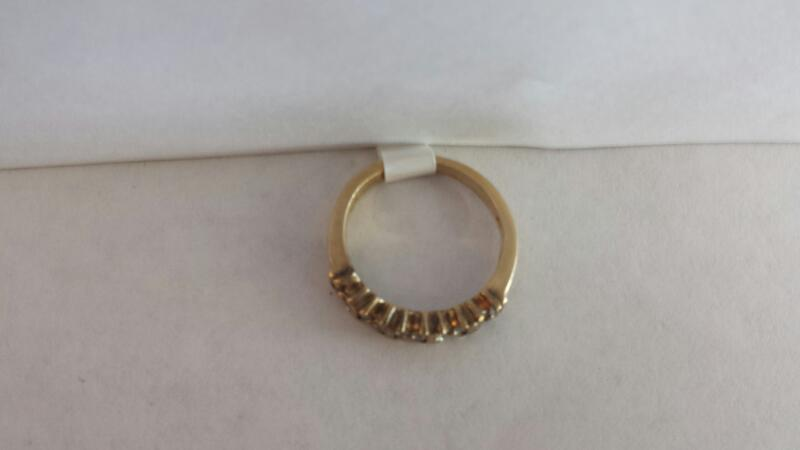 10k Yellow Gold Ring with 20 Diamond Chips