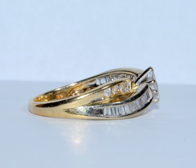14K Two Tone Gold Bow Shaped Marquise Diamond Twist Engagement Ring sz 6.5