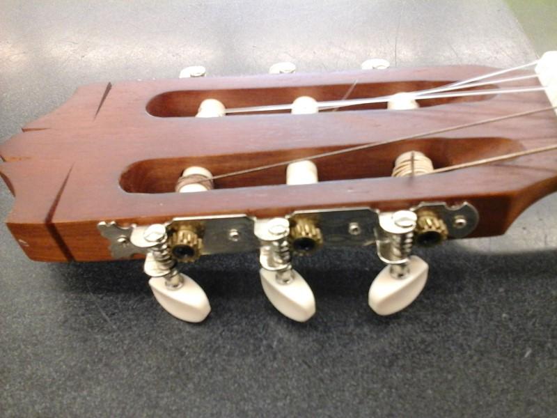 YAMAHA Acoustic Guitar CG-40MA