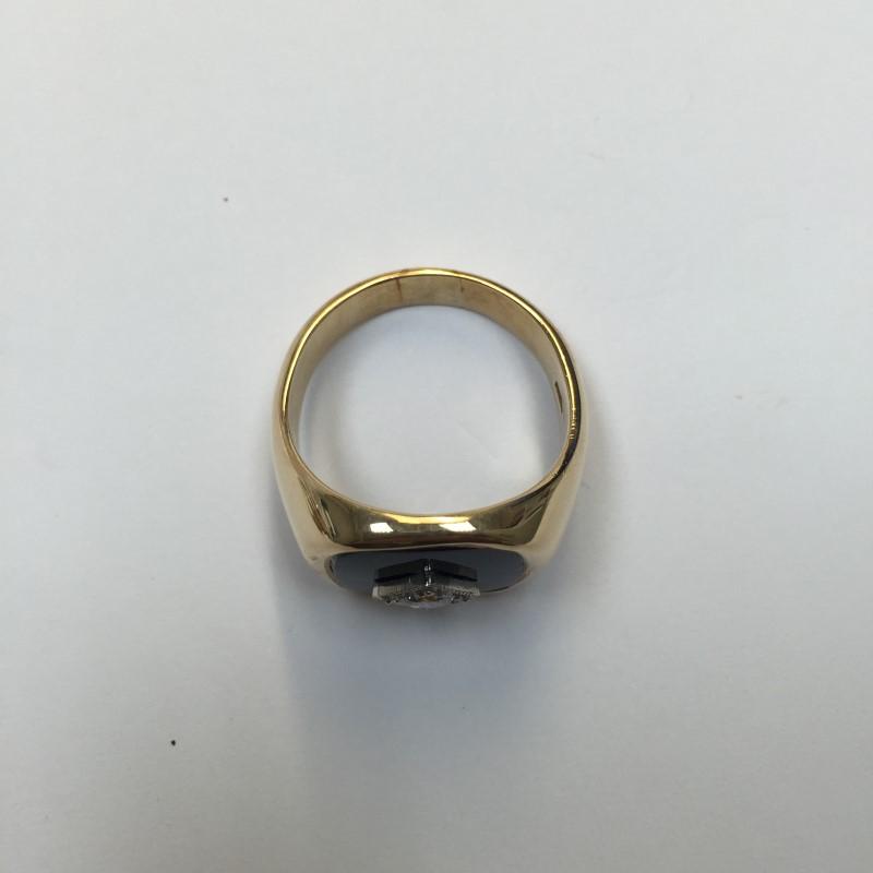Gent's Onyx & Diamond Ring .30 CT. 10K Yellow Gold 7.1dwt