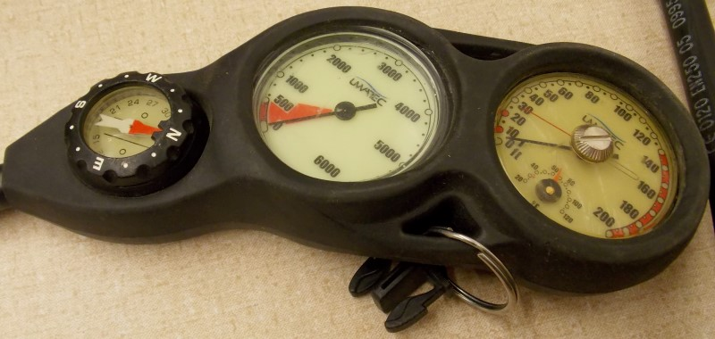 SCUBAPRO MK17/R390 REGULATOR WITH DEPTH GAUGE, TANK PRESSURE GAUGE AND COMPASS