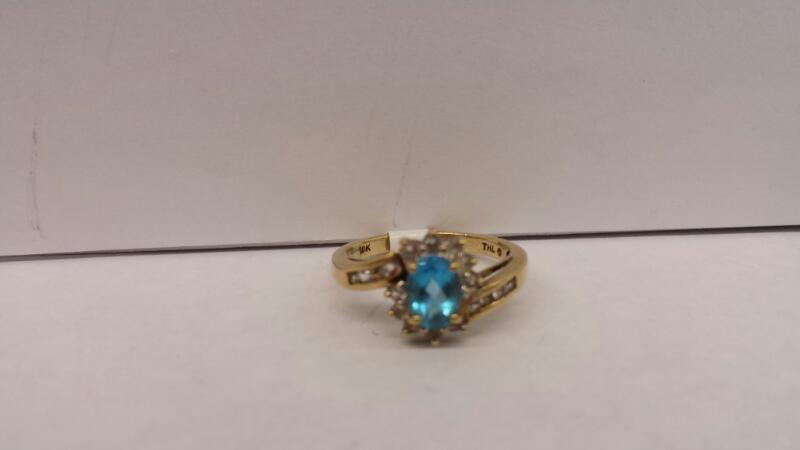10k Yellow Gold Ring with 1 Aquamarine Stone and 18 Diamond Chips