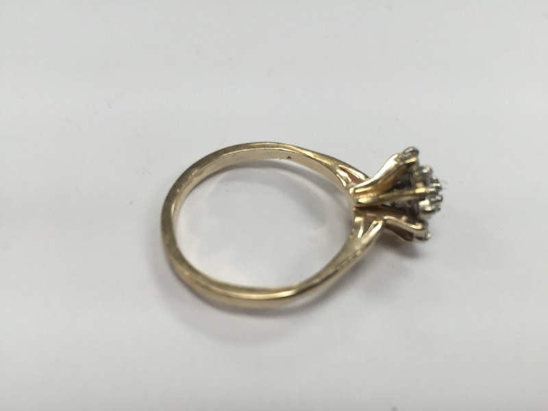 VINTAGE DIAMOND CLUSTER RING .80 Carat T.W. 10K Yellow Gold SIZE 10