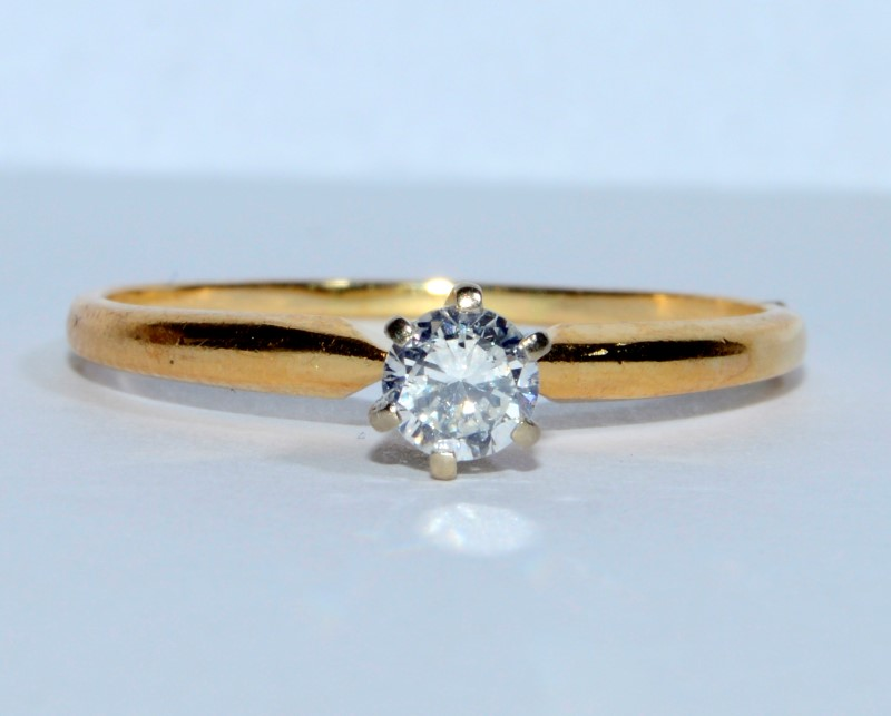 14K Yellow Gold Simple Round Brilliant Diamond Solitaire Engagement Ring sz 9