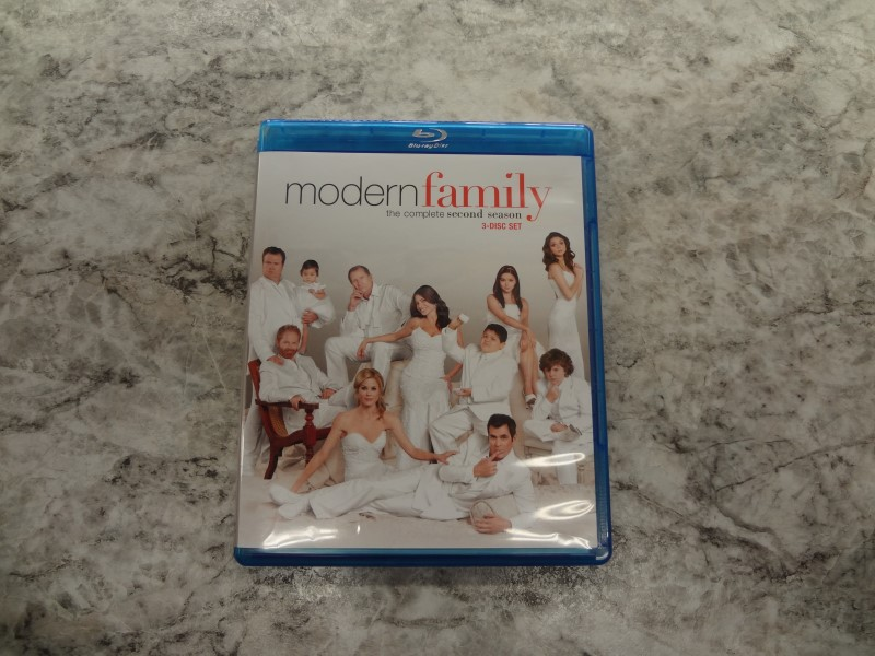 BLU-RAY MODERN FAMILY SEASON 2