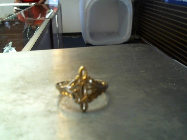 Lady's Gold Ring 10K Yellow Gold 1.7g