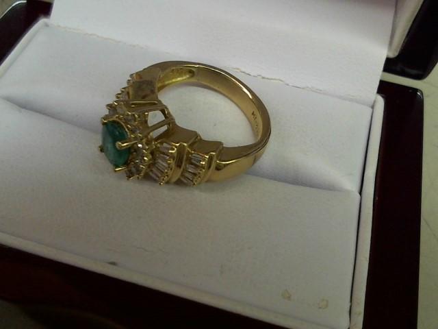 Emerald Lady's Stone & Diamond Ring 30 Diamonds .60 Carat T.W. 14K Yellow Gold