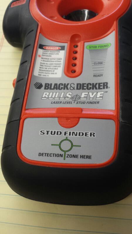 BLACK & DECKER BDL100S, #1750267; LASER LEVEL/STUD FINDER W/BLK CASE