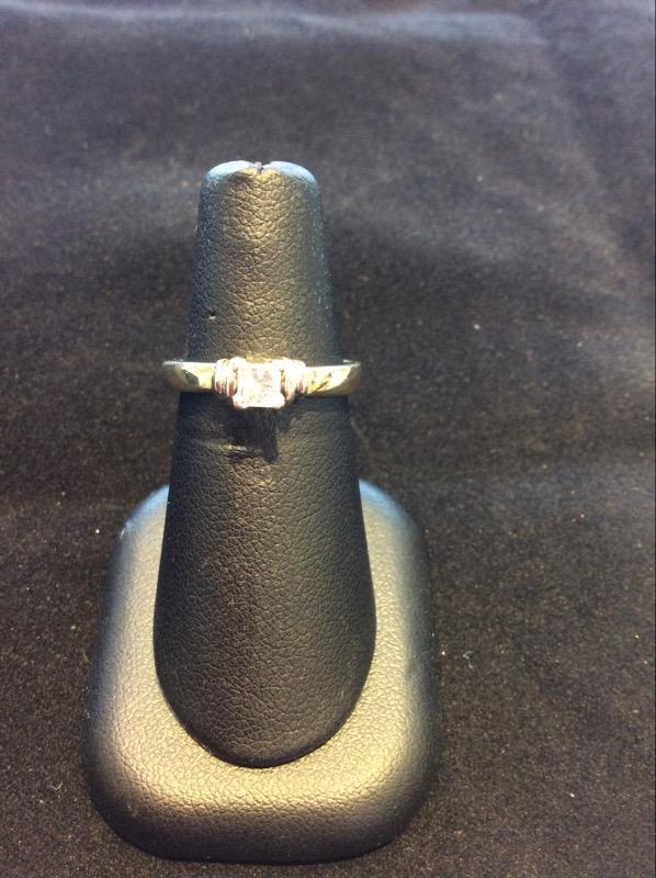 Lady's Diamond Engagement Ring .25 CT. 14K 2 Tone Gold 3.8g Size:6.3