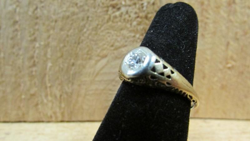 Antique Lady's Diamond Fashion Ring .18 CT. 10K 2 Tone Gold 1.8g Size:7