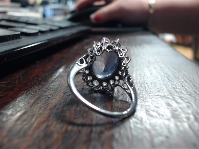 Purple Stone Lady's Stone Ring 10K White Gold 4.7g Size:8