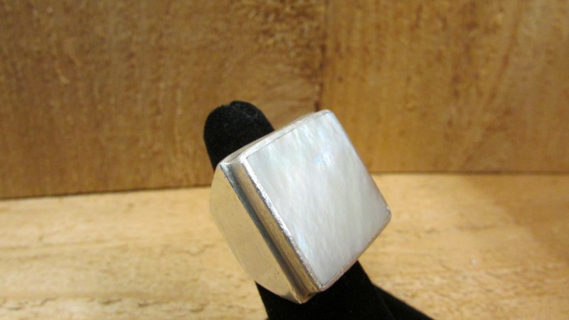 Synthetic Mother Of Pearl Lady's Silver & Stone Ring 925 Silver 27.8g Size:6