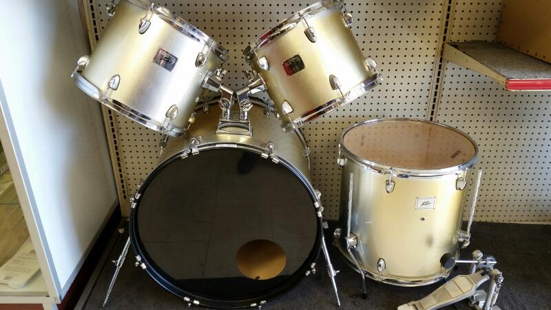 PEAVEY Five Hundred Series Drum Set
