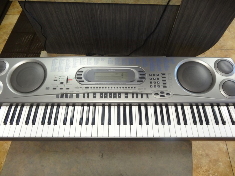 CASIO Keyboards/MIDI Equipment WK-1800