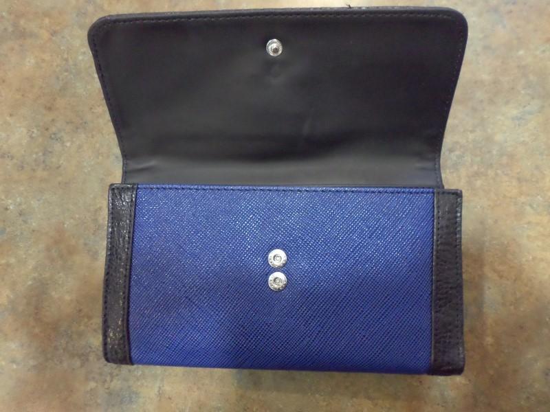 GUESS Handbag V4768238