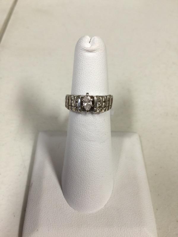 Lady's Diamond Wedding Band 25 Diamonds .87 Carat T.W. 10K White Gold 4.5g