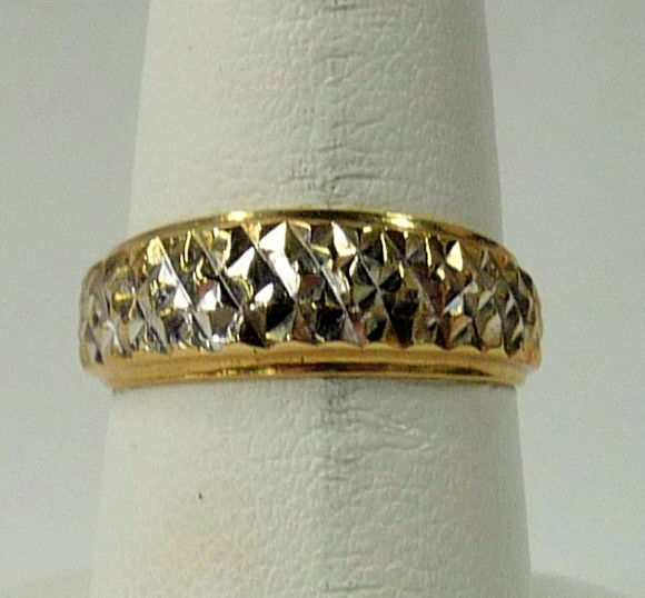 Lady's Gold Ring 10K Yellow Gold 1.05dwt