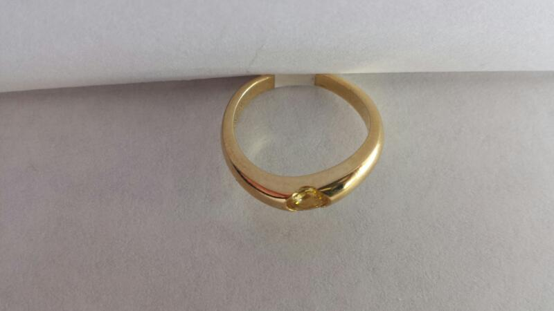 10k Yellow Gold Ring with Yellow Stone
