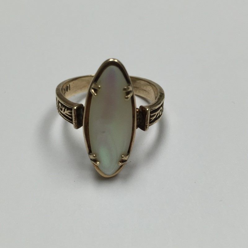 Synthetic Mother Of Pearl Lady's Stone Ring 10K Yellow Gold 3.1dwt Size:8.5