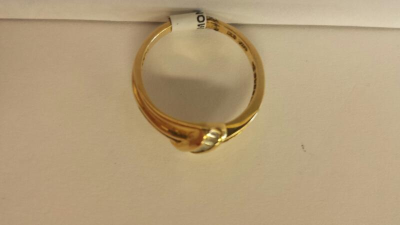 14k Yellow Gold Ring with 26 Baguettes
