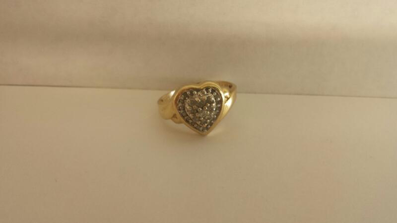 Lady's Diamond Cluster Ring 26 Diamonds .26 Carat T.W. 10K Yellow Gold 2dwt