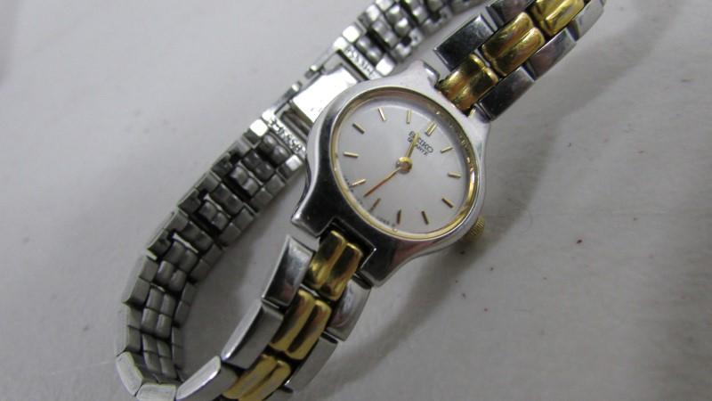SEIKO Lady's Wristwatch 1F20-5B29