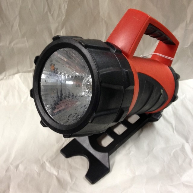 BLACK & DECKER FLASHLIGHT