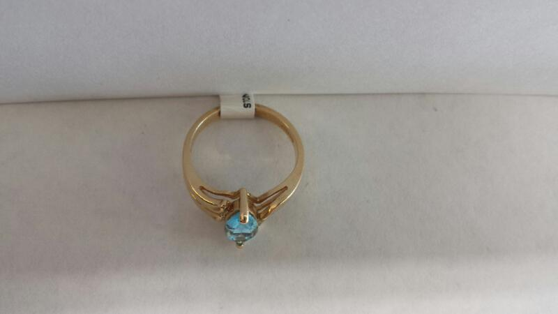 14k Yellow Gold Ring with Aquamarine Oval Stone